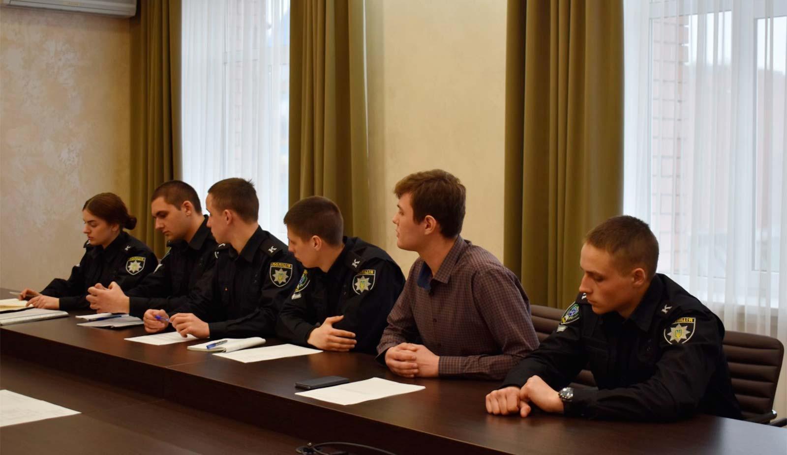 Засідання Студентсько-курсантської ради ДДУВС на чолі з новообраною головою Вікторією Іщенко.