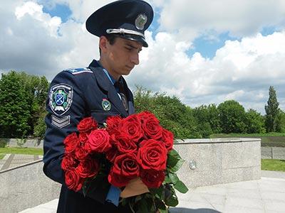 Курсанти ДДУВС вшанували жертв політичних репресій 1937-1938 років