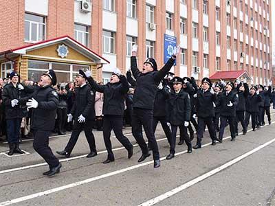 Випускники Дніпропетровського державного університету внутрішніх справ поповнили ряди Національної поліції України